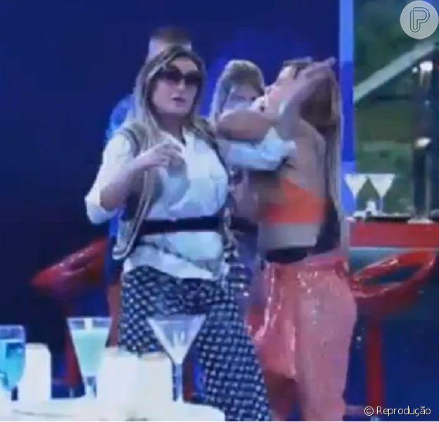 Record não considera tapa de Andressa Urach em Denise Rocha em festa como agressão e ex-vice Miss Bumbum segue na disputa