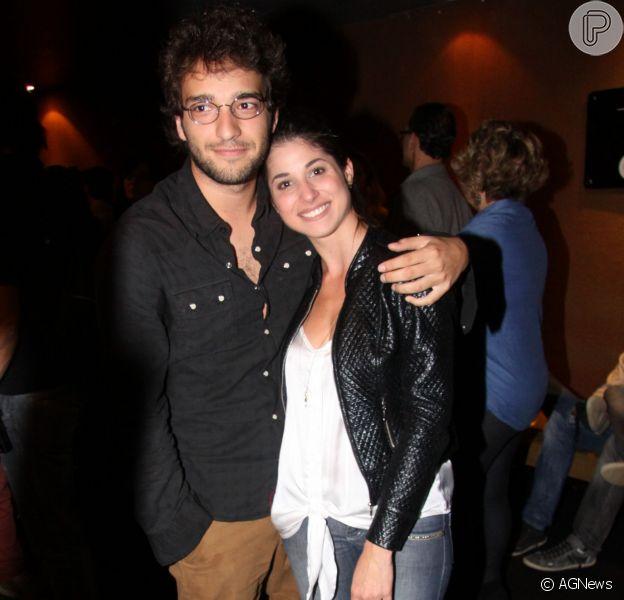 Humberto Carrão e Chandelly Braz continuam juntos, afirmou a assessoria do ator nesta segunda-feira, 16 de setembro de 2013