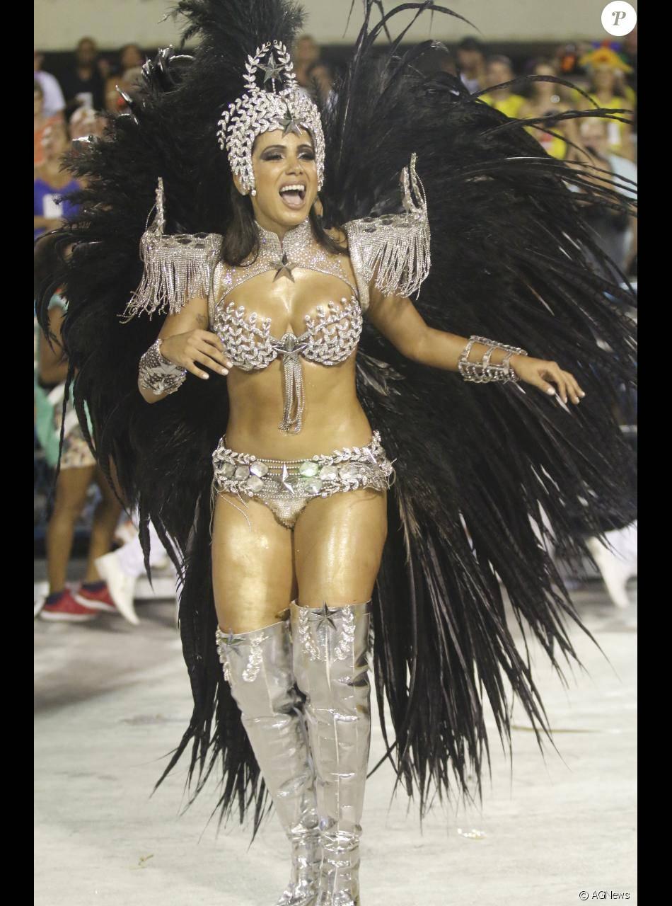 Anitta fez várias exigências para ser rainha de bateria da Mocidade no Carnaval 2017. Entre elas, a cantora pediu cachê mensal de R$ 100 mil