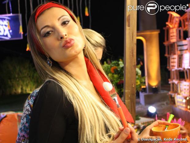 Andressa Urach sobre convite para participar de reality show em Portugal: 'Agora vou causar muito mais'
