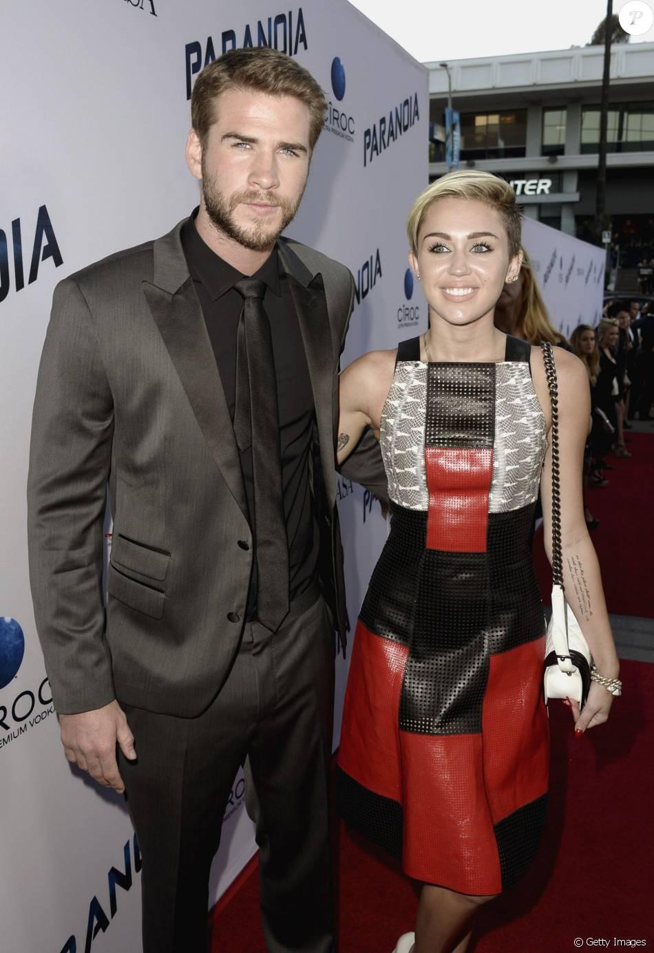 Miley Cyrus e Liam Hemsworth se casam em segredo na praia: 'Muito emocionante'
