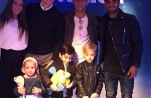 Neymar leva o filho, Davi Lucca, a espetáculo da Disney com amigos do Barcelona