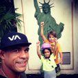 Vitor Belfort se diverte com os filhos