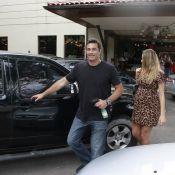 Luciano Szafir almoça com a esposa, Luhanna Melloni, grávida de oito meses
