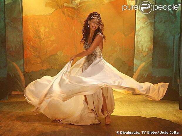 Camila Pitanga se preparou durante um mês para cena de dança de Isabel em 'Lado a Lado', que vai ao ar em 25 de dezembro de 2012