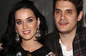 Katy Perry revela que John Mayer joga palavras cruzadas na cama: 'Gênio'