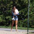Daniella Sarahyba curte momento de lazer com a filha, Gabriela, na Lagoa Rodrigo de Freitas, na Zona Sul do Rio