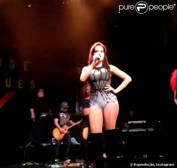 Anitta faz o primeiro show nos Estados Unidos em 2 de outubro de 2013