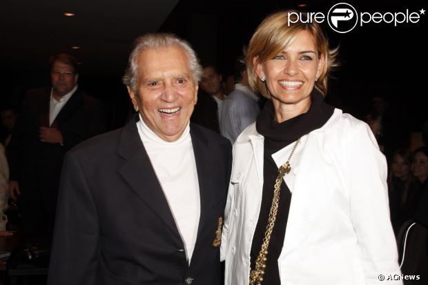 Carlos Alberto de Nóbrega e Jacqueline Meirelles terminam relacionamento de dois anos. Divulgado em outubro de 2013
