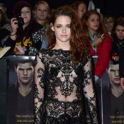 Kristen Stewart, com Robert Pattinson, divulga 'Amanhecer' em novo look rendado