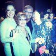 Claudia Raia ao lado do casal Tarcísio Meira e Glória Menezes, além de Mariana Ximenes