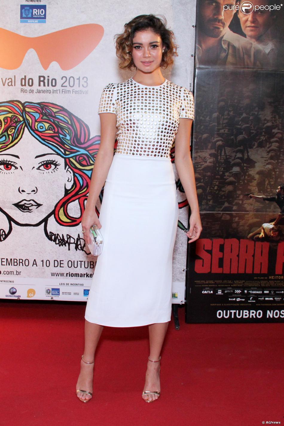 Sophie Charlotte vive uma prostituta no filme 'Serra Pelada', que estreia na sexta-feira, 18 de outubro de 2013. Sobre as cenas quentes com Juliano Cazarré, a atriz garantiu: 'Fiquei muito à vontade'