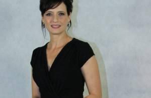 Denise Fraga completa 48 anos de volta à TV Globo em 'A Mulher do Prefeito'