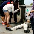 Steven Tyler se deitou aos pés do Cristo Redentor para preciar o monumento que tem mais de 70 metros de altura