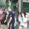 Steven Tyler se afastou da morena ao se dirigir ao carro que o levou de volta ao Hotel Copacabana Palace, onde está hospedado