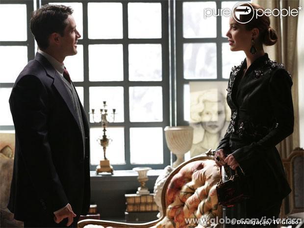 Viktor (Rafael Cardoso) declara seu amor por Silvia (Nathalia Dill), em 'Joia Rara', em 28 de outubro de 2013