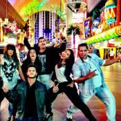 Paloma Bernardi e amigos famosos se despendem de Las Vegas após gravações