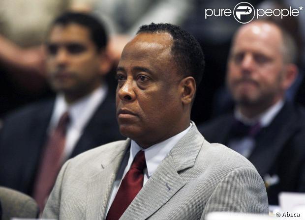 Conrad Murray saiu da prisão nesta segunda-feira, 28 de outubro de 2013, após cumprir dois anos de reclusão pela morte de Michael Jackson, em 2009