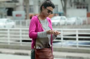 Thaila Ayala é flagrada desembarcando em aeroporto de São Paulo