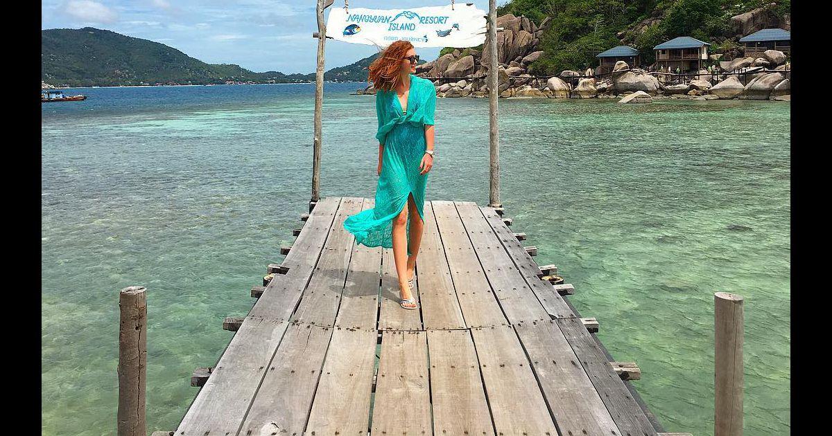 153a42872 Em passeio na Tailândia, Marina Ruy Barbosa apostou em saída de praia verde,  de renda, da Gluck Beachwear, vendido R$ 408 no site da marca - Purepeople