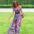 Marina Ruy Barbosa usa vestido longo estampado da Tigresse, de R$ 995, na Tailândia