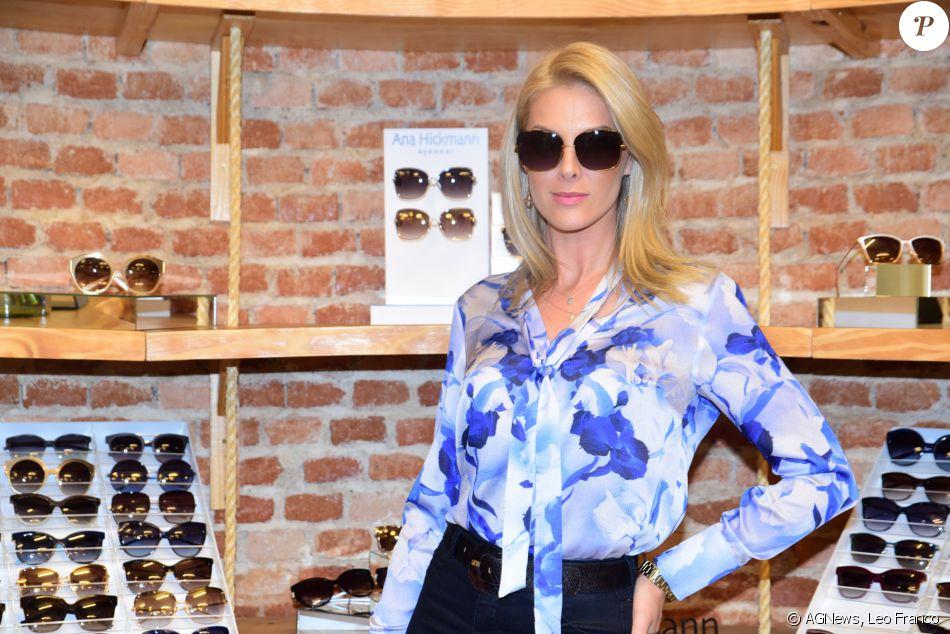 5c8dcb95c5628 Ana Hickmann posou com óculos de sua nova coleção