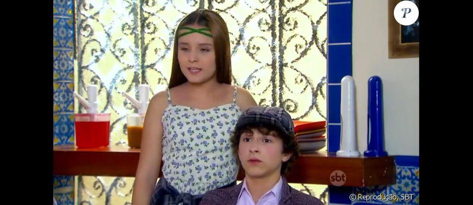 Manuela (Larissa Manoela) e Téo (Fhelipe Gomes) vão até a casa dos ... c27d397d42