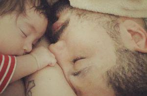 Ex-BBB Fernando Medeiros posa com filho, Lucca, de 2 meses: 'Três vacinas'