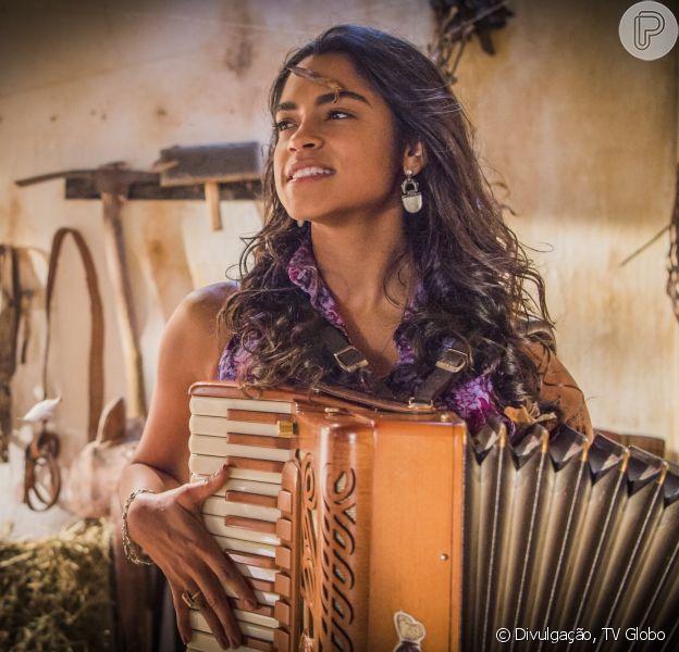 A cantora diz que decora seus textos na novela 'Velho Chico' cantando