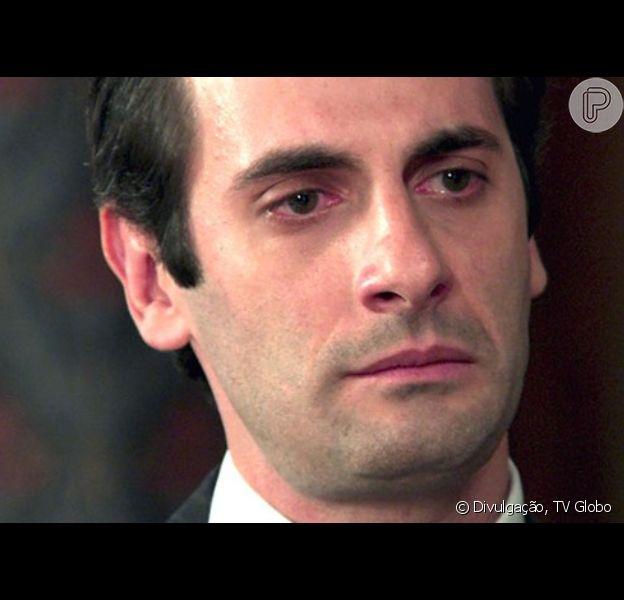 Na novela 'Êta Mundo Bom!', Araújo (Flávio Tolezani) pede que Anastácia (Eliane Giardini) o perdoe e afirma que pode colocar Sandra (Flávia Alessandra) na cadeia