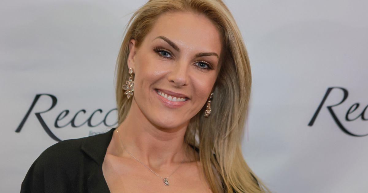 83b2f4ada7fd0 Ana Hickmann reprova denúncia por homícidio contra o cunhado   Indignação   - Purepeople
