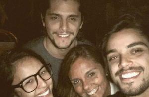 Mãe de Bruno Gissoni entrega relação do ator com Yanna Lavigne: 'Se curtindo'
