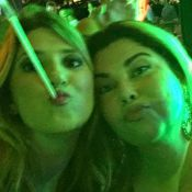 Dani Calabresa curte festa na noite em que Adnet foi fotografado com jovem