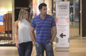 Latino passeia com a namorada, Fabi Araújo, e a filha em shopping no Rio. Fotos!