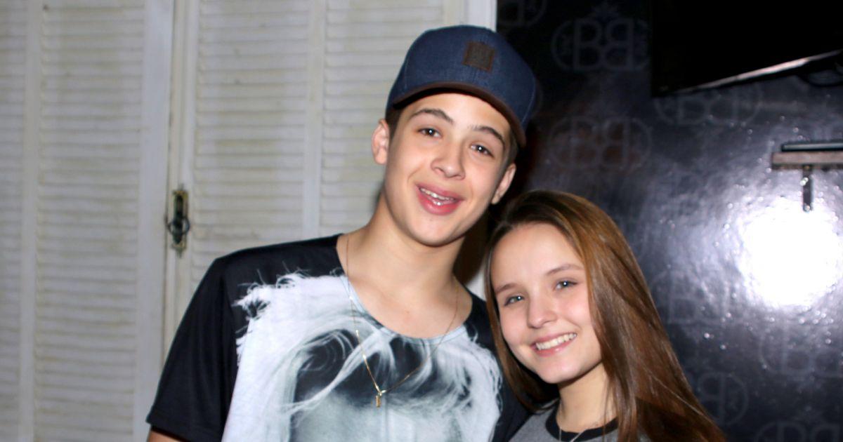 46ebb71cf1492 Larissa Manoela e João Guilherme Ávila vão à festa de ator de  Cúmplices .  Fotos - Purepeople