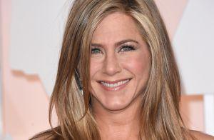 Jennifer Aniston critica pressão por gravidez e cobrança por boa forma: 'Farta'