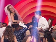 Luciano Huck e Angélica revivem ritual de casamento na TV: 'Casando de novo'