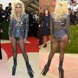 A maioria dos looks usados por Lady Gaga são inusitados. No Met Gala 2016, a cantora foi de body com jaqueta metalizada por cima. Nos pés, usou bota com superplataforma