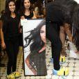 Munik compareceu a encontro com fãs usando calçado inusitado: uma pantufa dos Minions