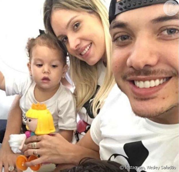 Wesley Safadão parabenizou a filha, Ysis, que completa 2 anos nesta quinta-feira, 14 de julho de 2016, no Instagram. O cantor, que vai se casar com a mãe da menina, Thyane Dantas, também é pai de Yhudy, de 5 anos, fruto de uma união anterior
