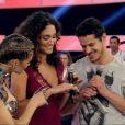 Débora Nascimento e José Loreto revelaram o noivado durante o programa 'Amor & Sexo'