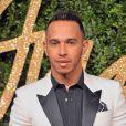Lewis Hamilton lamentou a tragédia em Nice: 'É devastador para pensar em todas as preciosas vidas perdidas . Deus guarde suas almas , enviando minhas orações e pensamentos para as famílias que perderam seus entes queridos e para aqueles que estão lutando por suas vidas hoje'