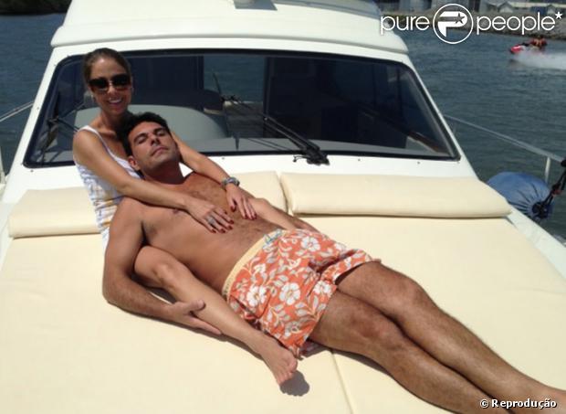 Marcelo Frisoni está namorando a empresária Paula Hickey, como confirmou ao Purepeople nesta terça-feira (12 de novembro de 2013)
