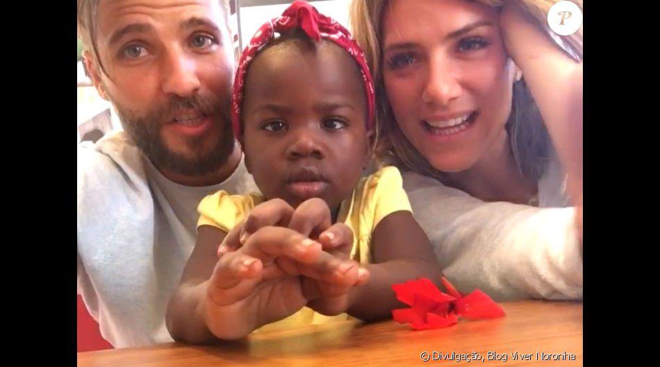 Bruno Gagliasso e Giovanna Ewbank matriculam filha, Titi, em colégio no Rio