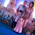 Wesley Safadão  reuniu a família para uma foto oficial com direito aos looks combinando