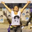 Cissa Guimarães posa em túnel na Zona Sul do Rio que recebeu o nome de seu filho Rafael Mascarenhas. Jovem foi atropelado e morto enquanto andava de skate no local, em 20 de julho de 2010