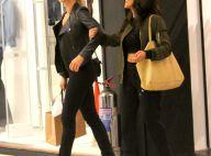 Grazi Massafera faz compras com a amiga Francisca Pinto em shopping. Fotos!