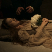 'Liberdade': morte de Branca e sexo de Rosa e Rubião agitam web. 'Que capítulo!'