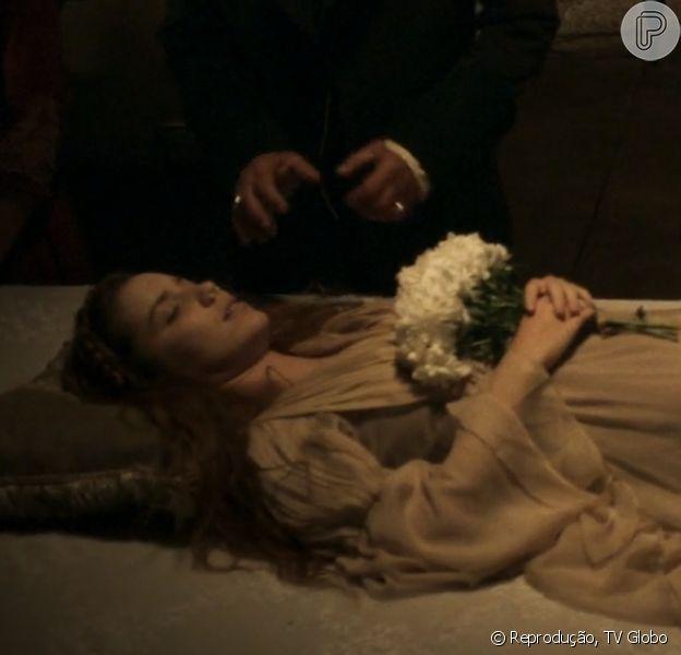 Em 'Liberdade, Liberdade', Branca (Nathalia Dill) morreu após beber o veneno que havia preparado para Rosa/ Joaquina (Andreia Horta), no capítulo desta terça-feira, 26 e julho de 2016