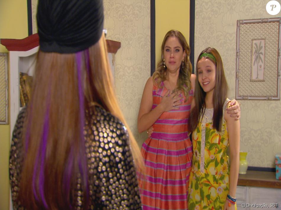 Ao lado de Manuela (Larissa Manoela), Rebeca (Juliana Baroni) encontra  Isabela cb4792501f